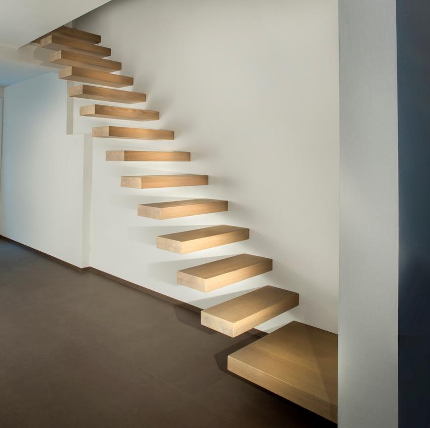 Escaleras de diseño voladas en Barcelona