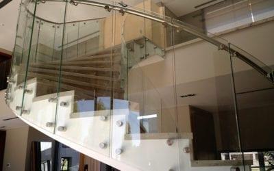 Barandas de cristal curvado, la barandilla de vidrio curvado más solicitada.