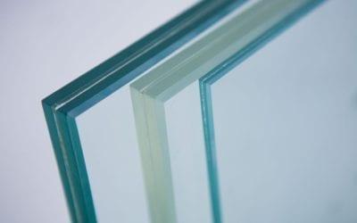 El cristal es el ganador indiscutible en escaleras y barandillas en 2020