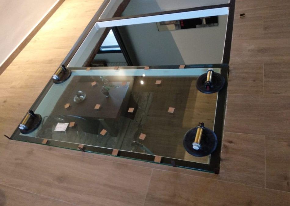 Instalación de suelo de cristal / vidrio transparente